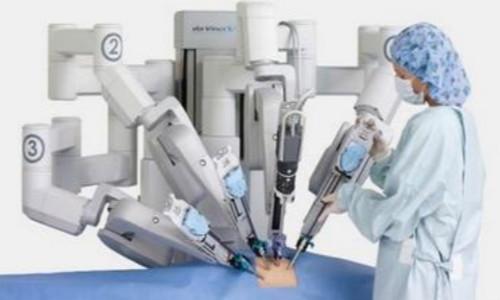 """(手术机器人成""""网红"""" 有效提高医疗水平 图片来源:百度图片)-手"""